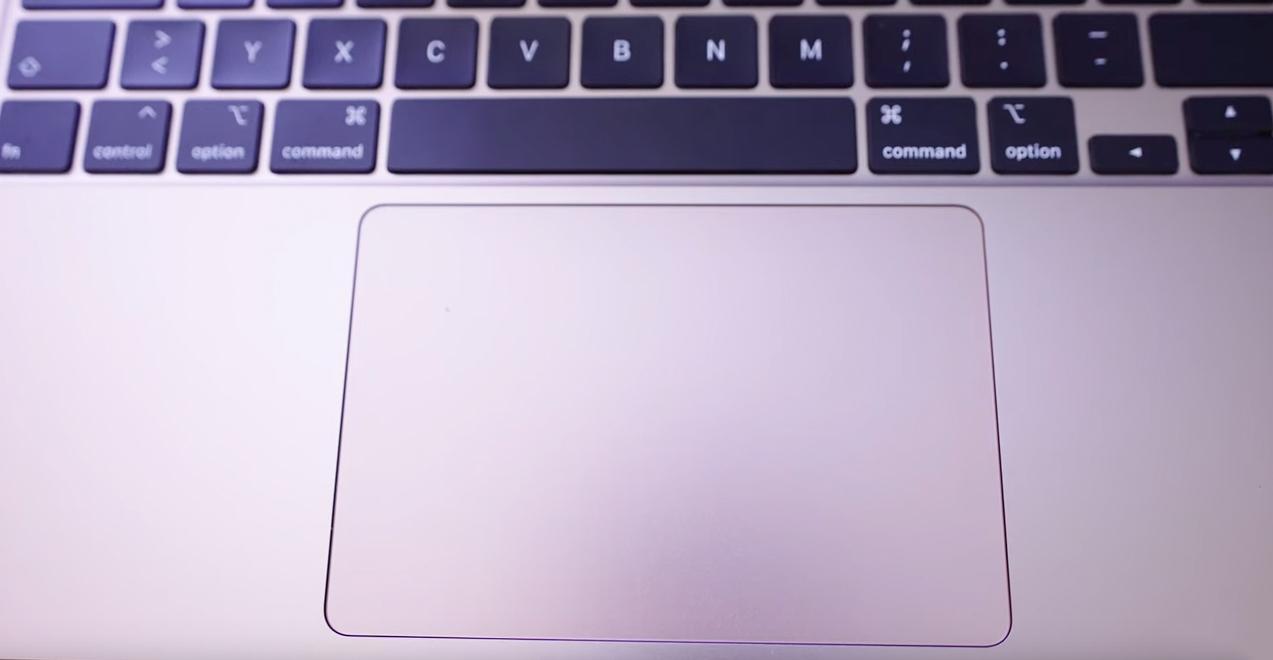 Apple-MacBook-Air-2020-Touch-Pad