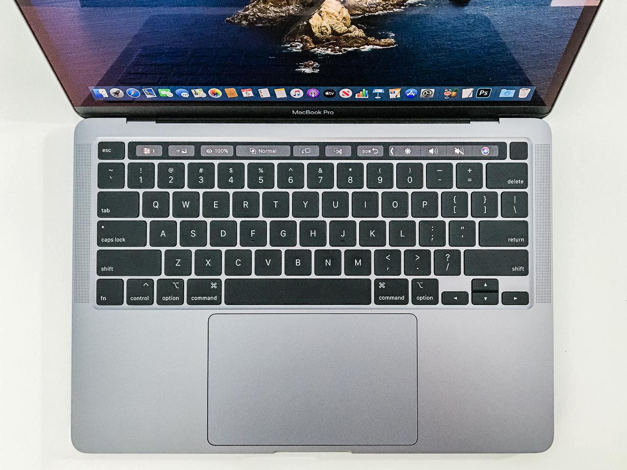 Apple-MacBook-Pro-13-Zoll-2020-mit-Magic-Keyboard